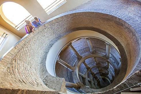 bramante_staircase.jpeg